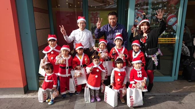 ★フレスト寝屋川店★お客様にメリクリと元気にご挨拶♡クリスマスパレード2019