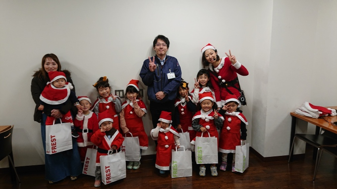 ★フレスト長尾店★ちびっ子サンタがお手伝…の画像